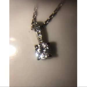 Simple necklace with gems